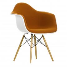 Vitra Eames Plastic Chair DAW bekleed