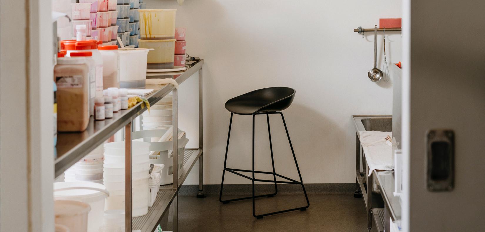 Hay barkruk about a stool aas39 rvs gelakt bekleed for Hay barkruk