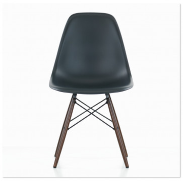 Vitra Eames Plastic Side Chair DSW donker esdoorn