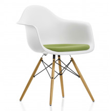 Vitra Eames Plastic Chair DAW met zitkussen