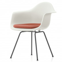 Vitra Eames Plastic Chair DAX met zitkussen