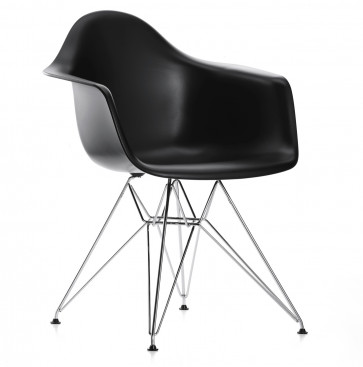 Vitra Eames Plastic Chair DAR